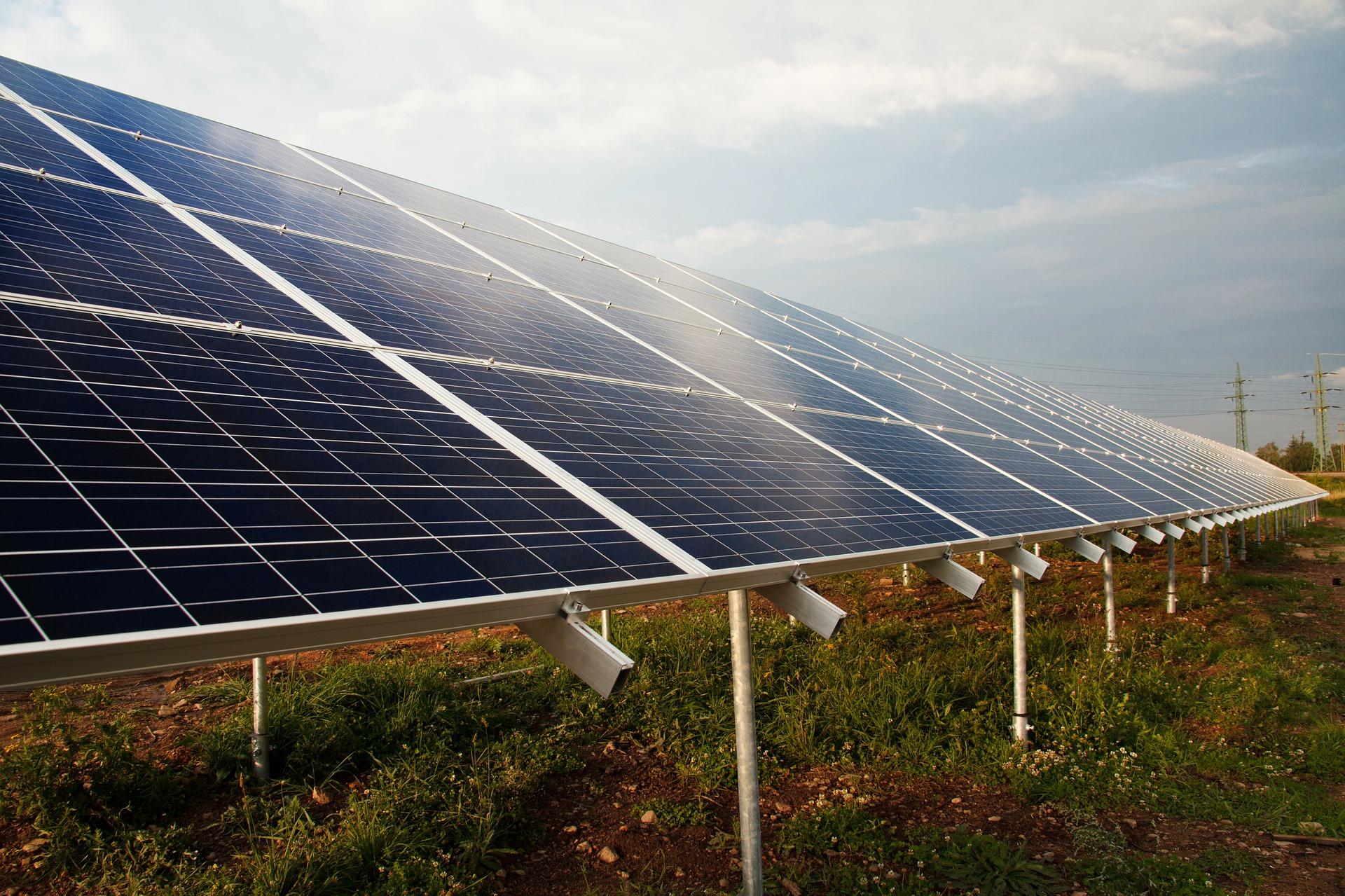 Solar panels. Photo: Pixabay.